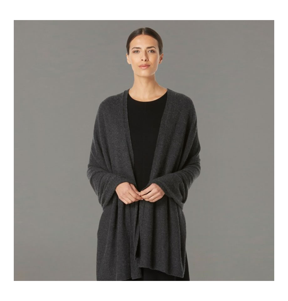 Classic Charcoal Cashmere Travelwrap