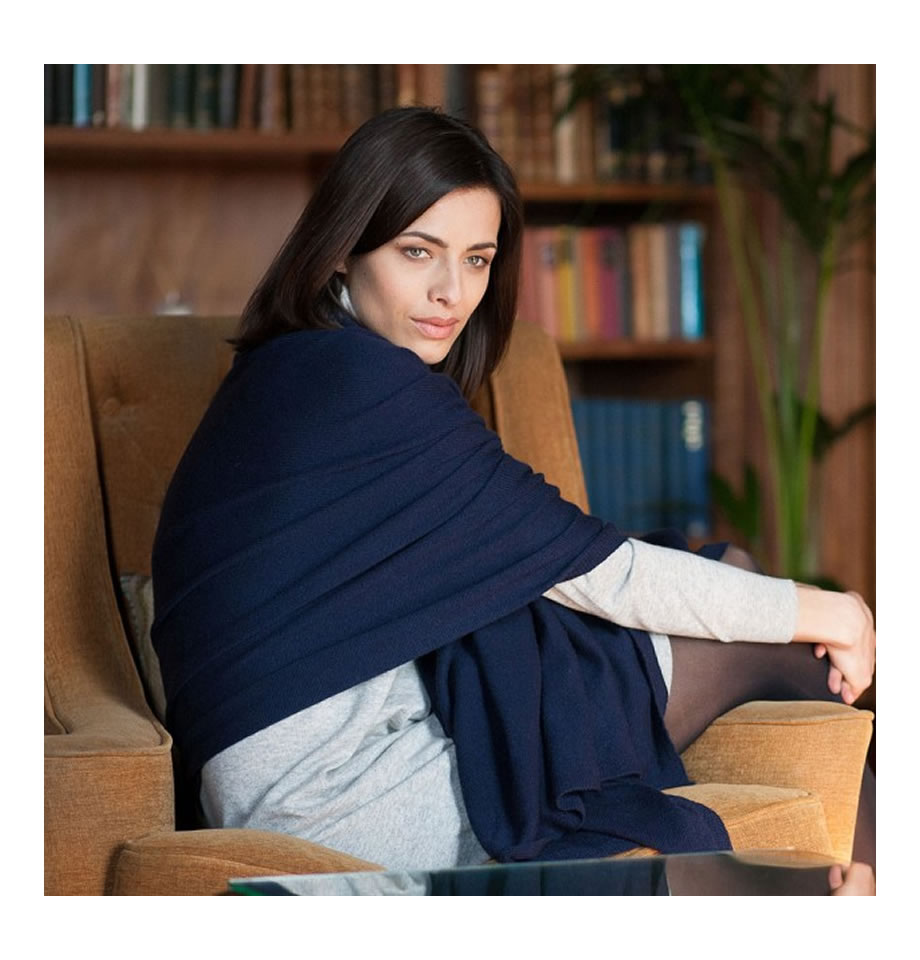 Classic Navy Blue Cashmere Travelwrap