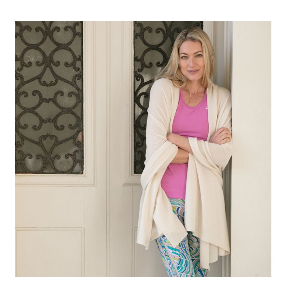 Classic Peony Cashmere Travelwrap