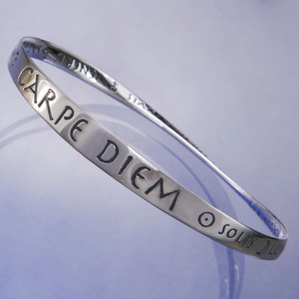 Carpe Diem - Seize the Day (Horace) - Mobius Bracelet