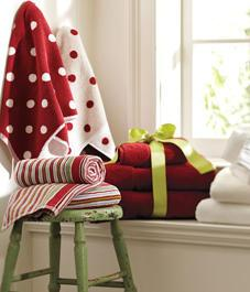 HOLIDAY BATHROOM DECOR TIPS