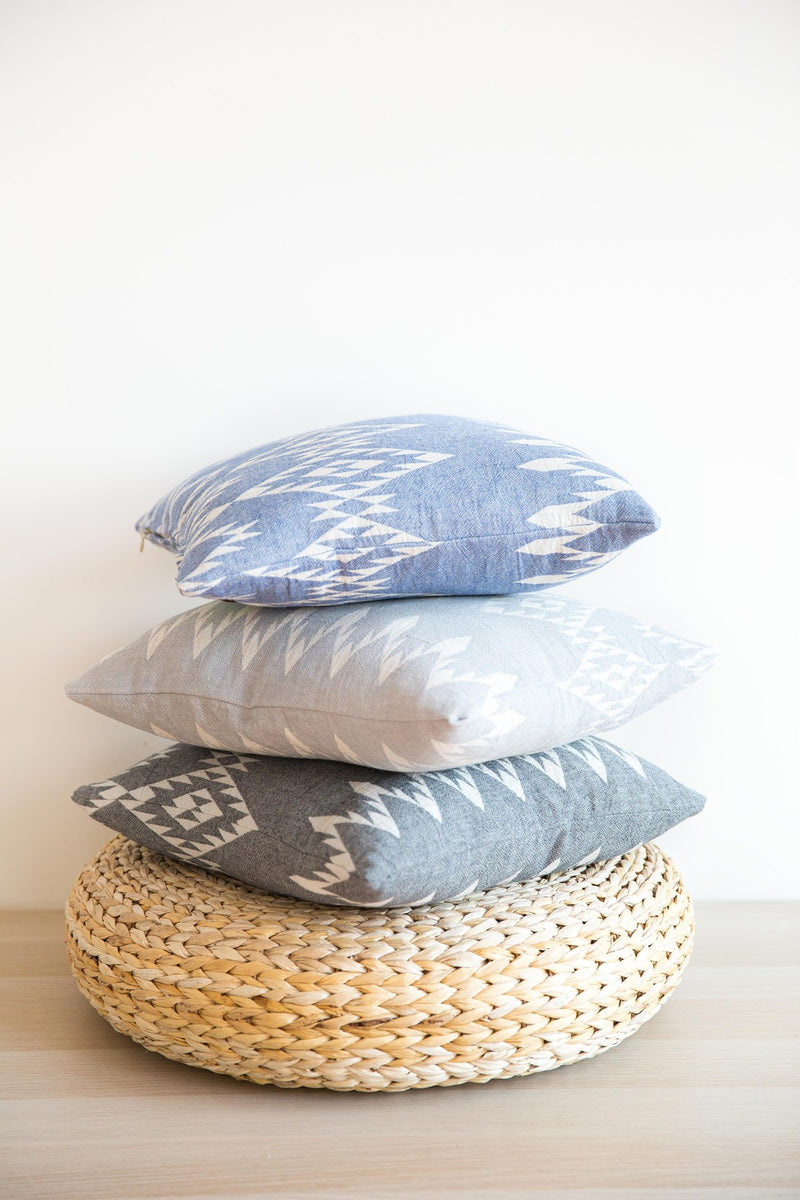 COASTAL PILLOW - GRANITE