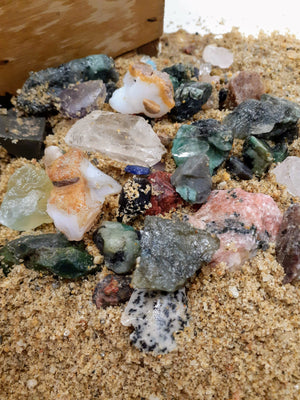 Minerals discovery activity | Prospecting-Express | Green bag