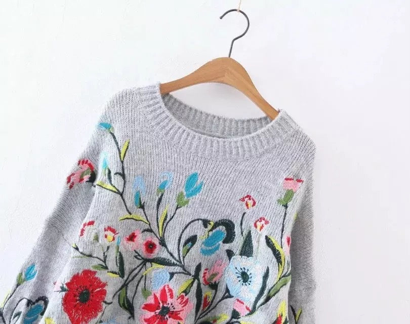Round collar full sleeve loose embroidered sweater