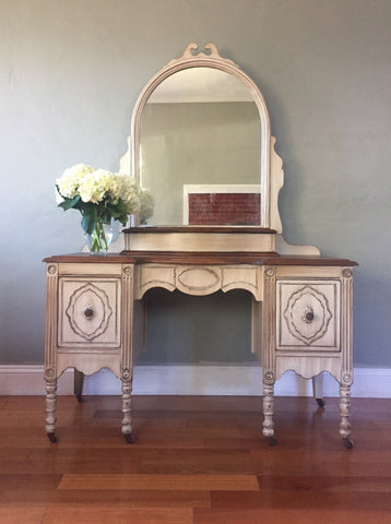 Antique White Make Up Vanity with Mirror
