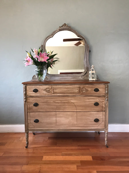 15% OFF! Antique White Wash Vanity Dresser Chest of Drawers