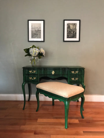 Peachy Vintage Solid Wood Vanity Desk With Mirror And Bench Download Free Architecture Designs Scobabritishbridgeorg
