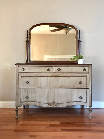 Antique White Wash Vanity Dresser