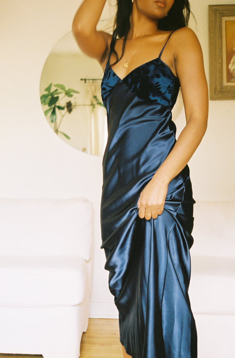 Vintage Navy Blue Velvet and Satin Maxi XS