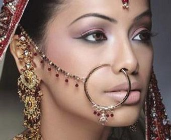 picture of a hindu woman wearing a hoop nose ring
