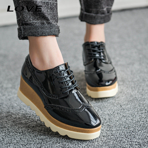 2017 Fashion Trick Bottom Women Oxfords Square Toe Patent Leather Platform Ladies Shoes Lace up Brogue Shoes Women Creeper PX149