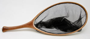 Custom landing net with ovale hoop and curved handle in mahogany.