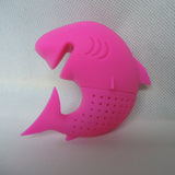 Make waves at tea time with this super fun shark shaped tea infuser!