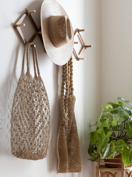 Cozy Hanger Wall Rack