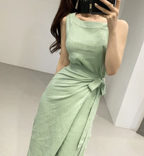 Load image into Gallery viewer, Sleeveless Elegant Slim Waist Lace-up Dress