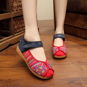 WS701 Old Beijing Embroidered Mary Jane Flat Shoes