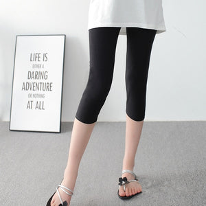 PL22 Elastic Printed Capri Leggings