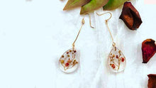 Load image into Gallery viewer, Handmade Real Flower Earrings