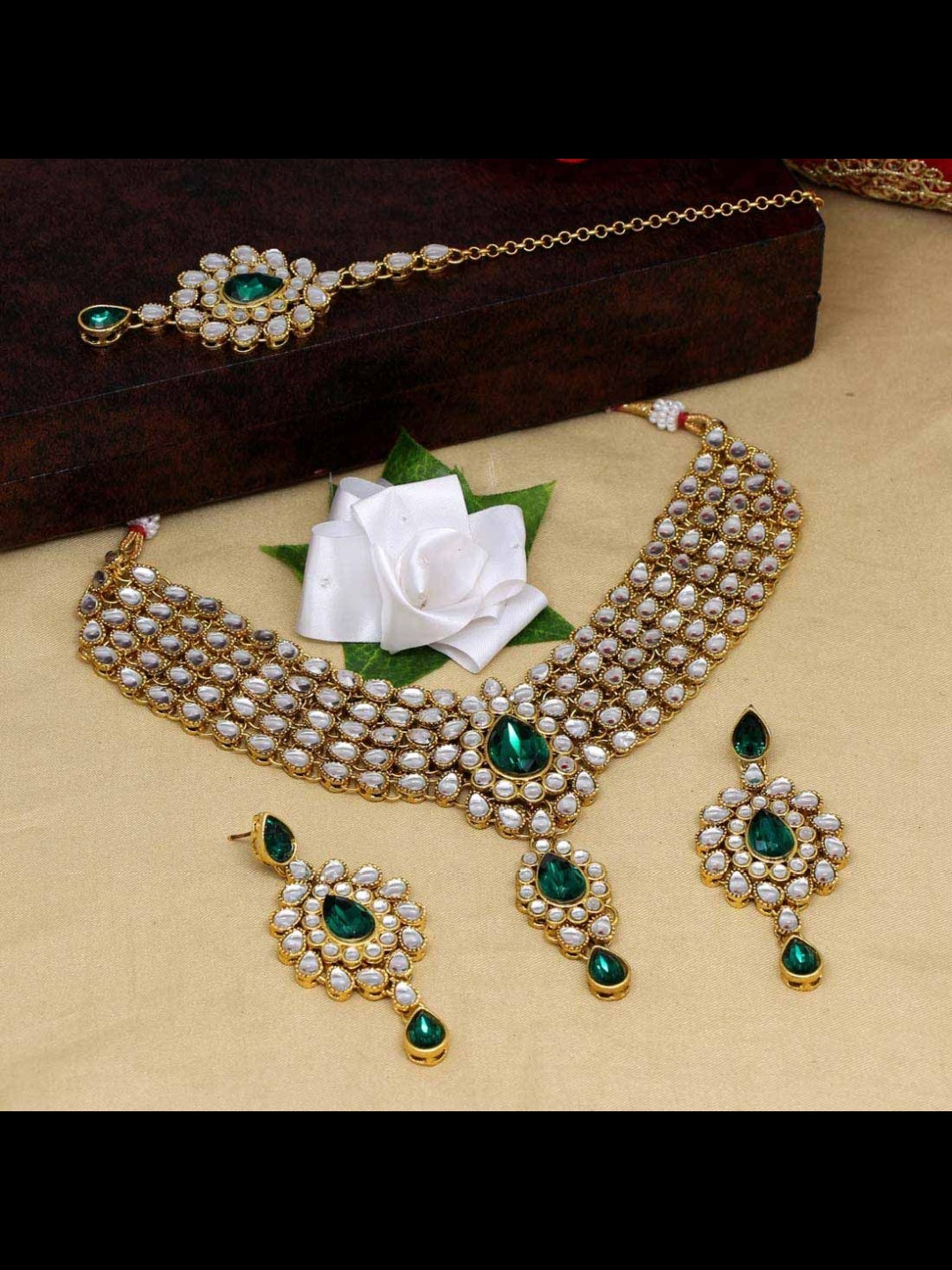Kundan Necklace & Tikka