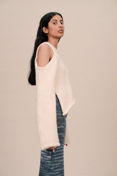 CUT OUT WOOL SWEATER