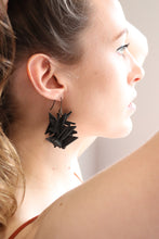 Black Medium Extremely Light Earrings