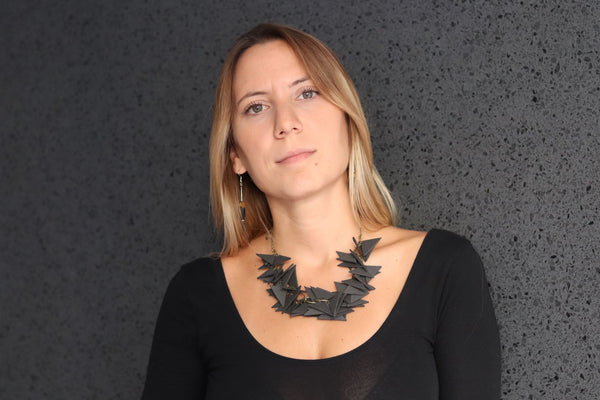 BLACK TRIANGLES SOFT NECKLACE