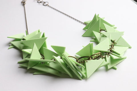 LIME TRIANGLES SOFT NECKLACE (NL0031)
