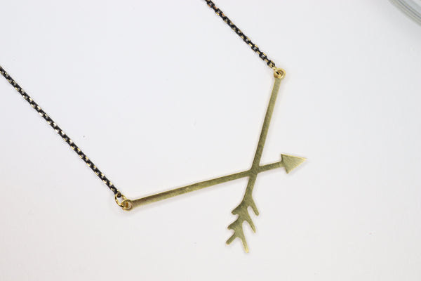 THE ARROW NECKLACE