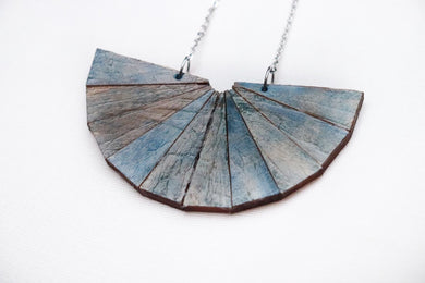 Wooden Necklace Blue Jean Effect
