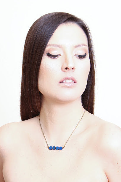 Small hexagon necklace Blue