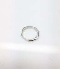 contemporary silver ring