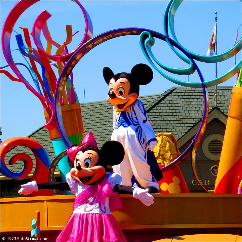 Mickey Mouse and Minnie Mouse, Festival of Fantasy Parade, Disney Magic Kingdom