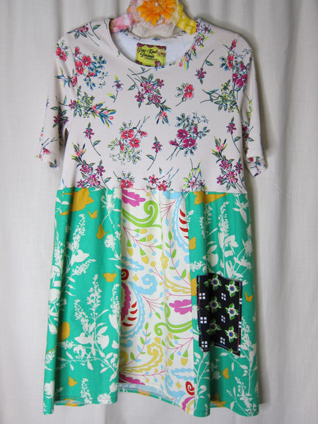 Creamy Floral Empire Tunic ~ MEDIUM