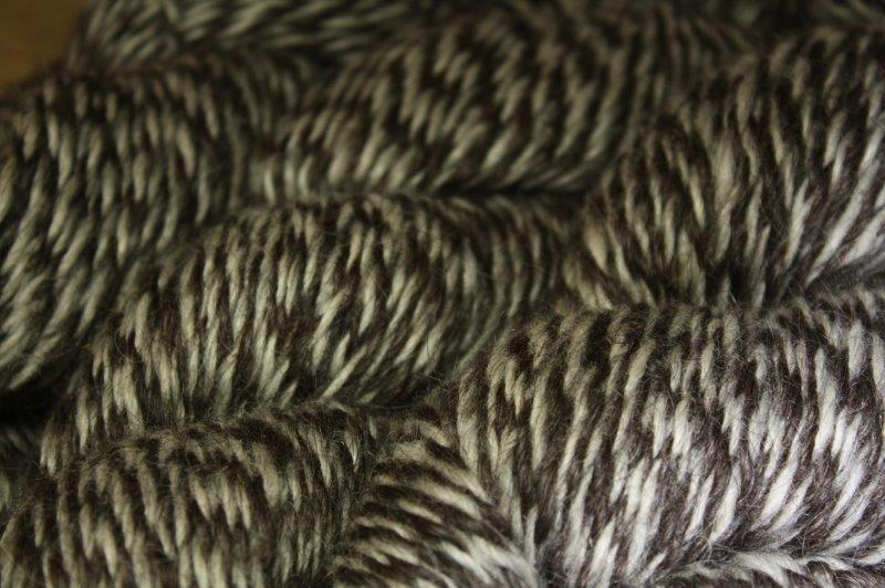 Cream & Black Barber Pole Yarn