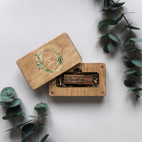 Wood box for USB with colored logo