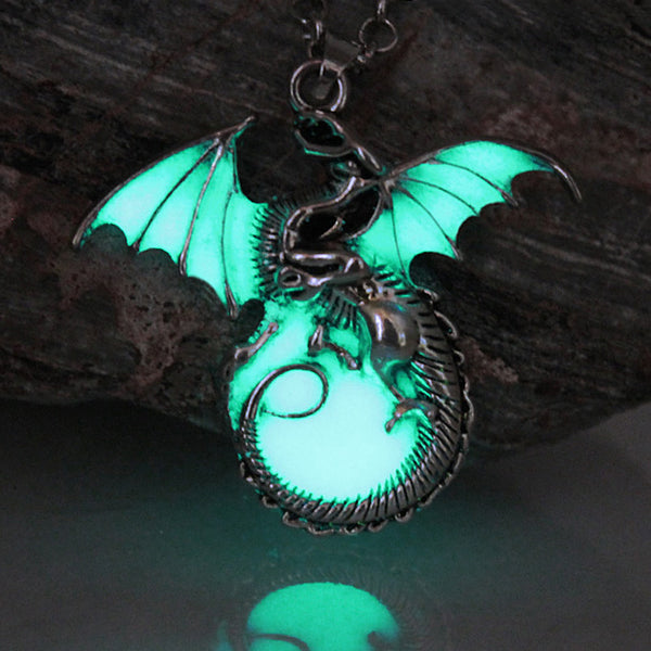 Luminous Dragon Necklaces - Glow in the Dark!