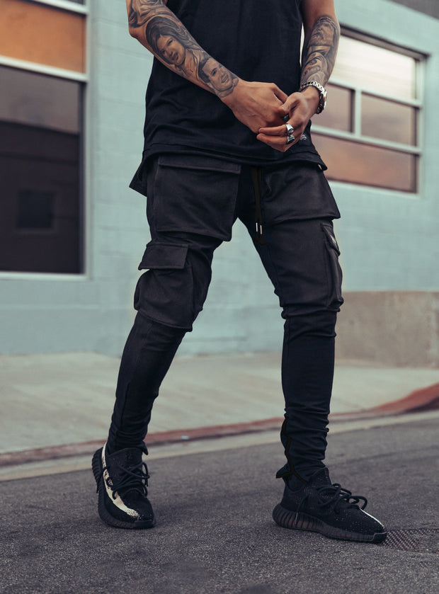 Utility Cargo Pants V1 in All Black