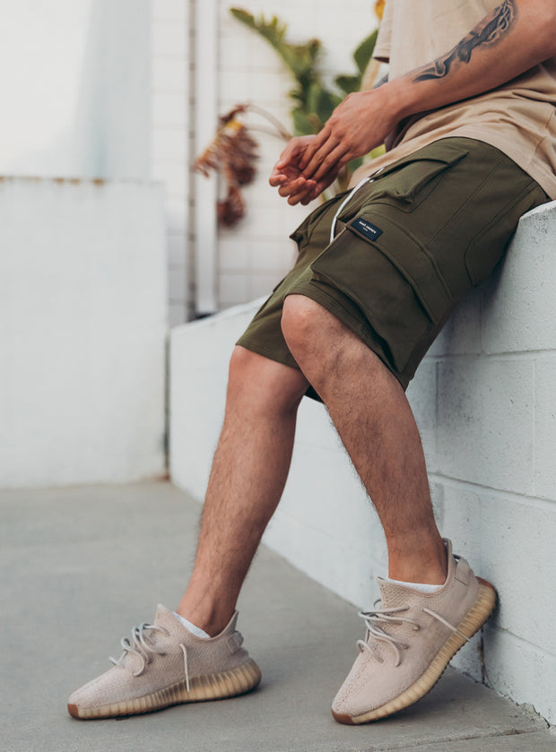 Utility Cargo Shorts V1 in Kaki