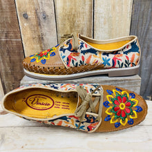 Embroider Loafers Artisan Leather Women Shoes - Otomi Animals