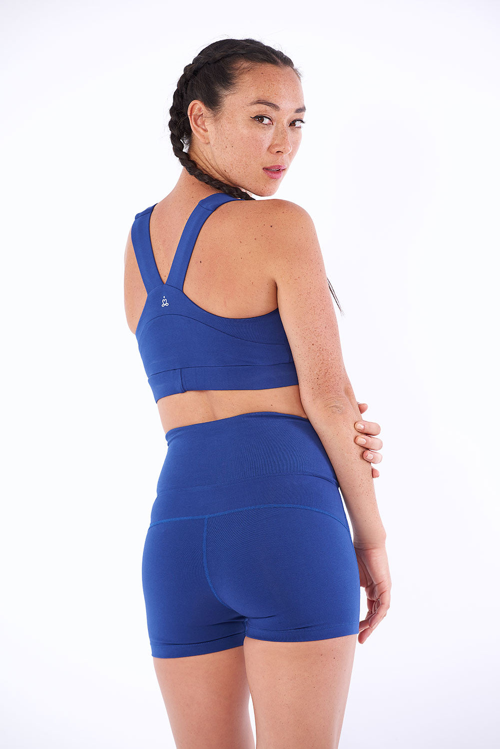Activewear and yoga in organic cotton.