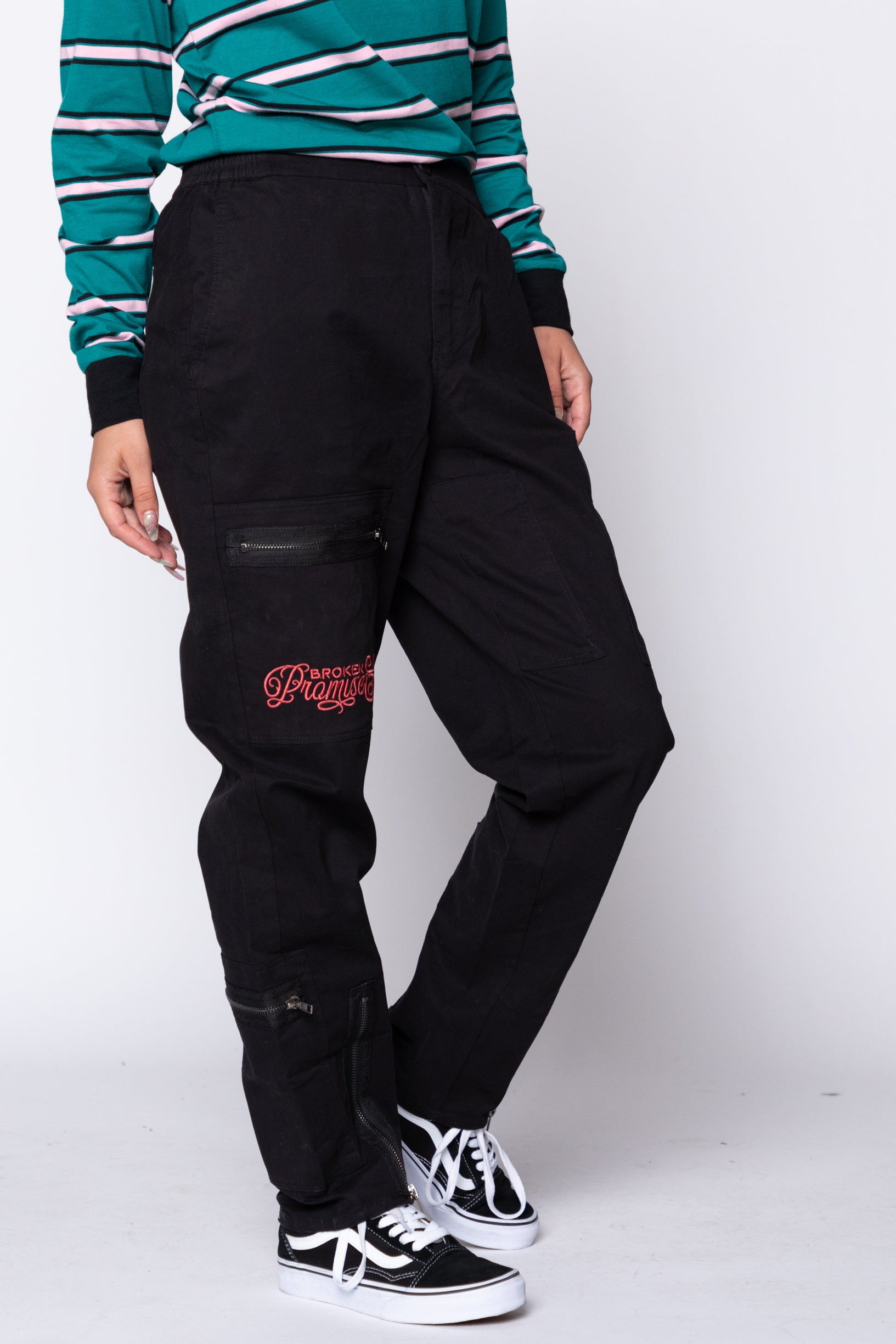 Captive Zipper Pant