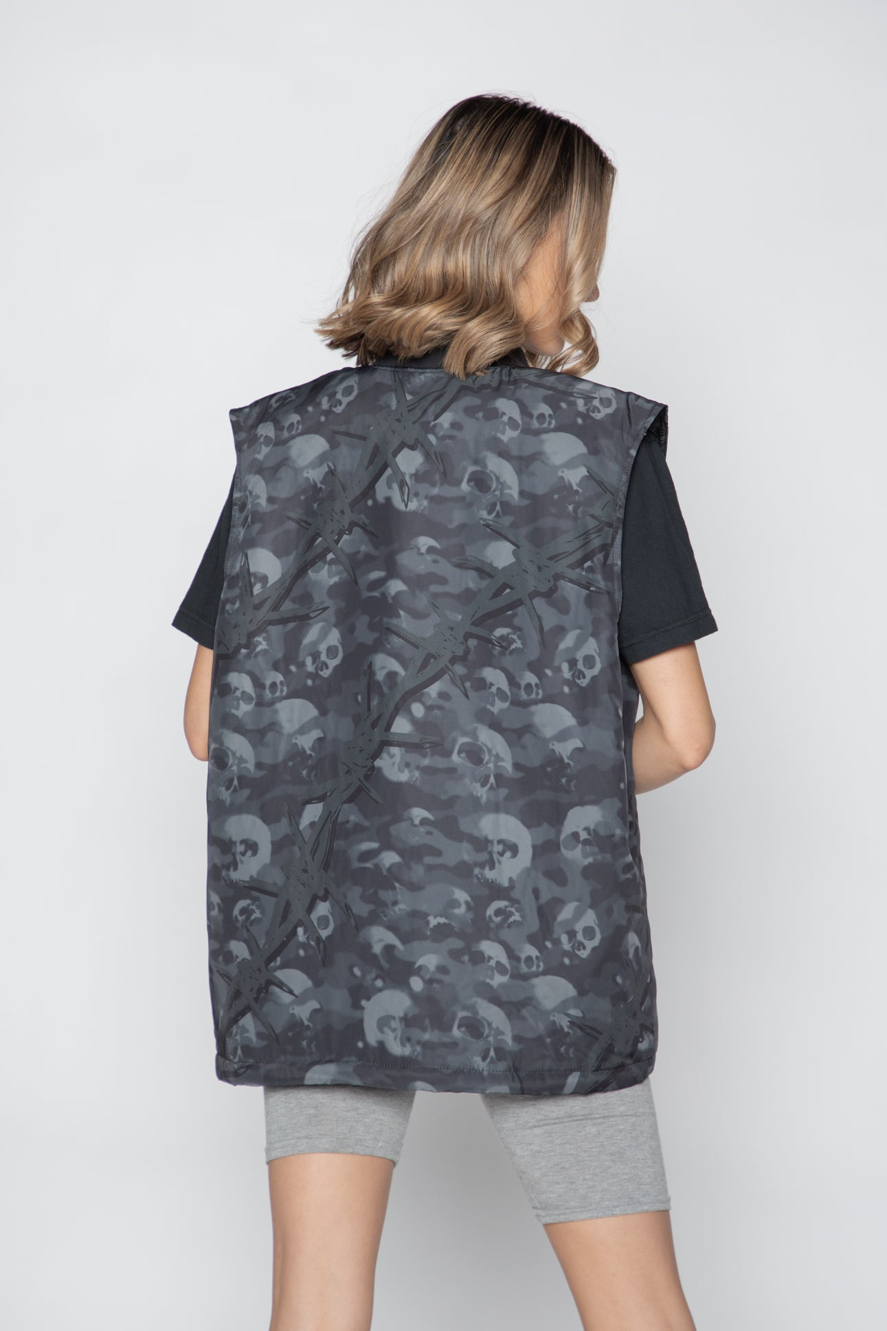 Catacombs Vest Black