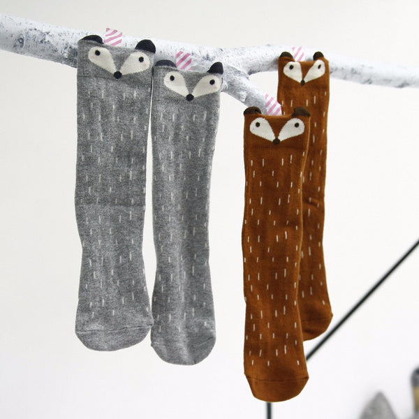 mini dressing raccoon knee socks - 5 going on 10