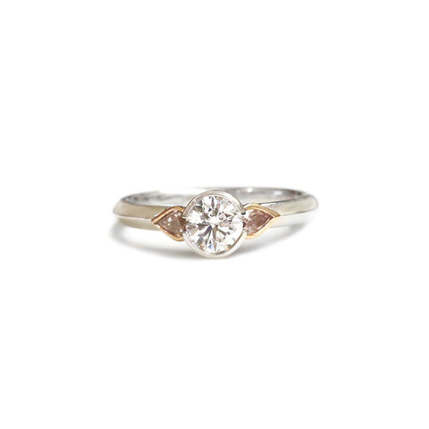 18ct White and rose gold pink diamond ring