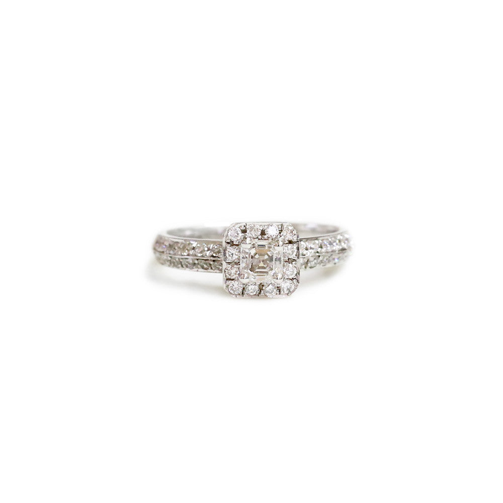 18ct White gold diamond engagement ring