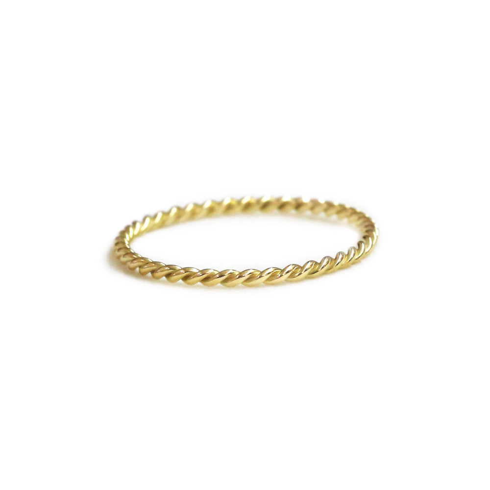 18ct yellow gold twist ring