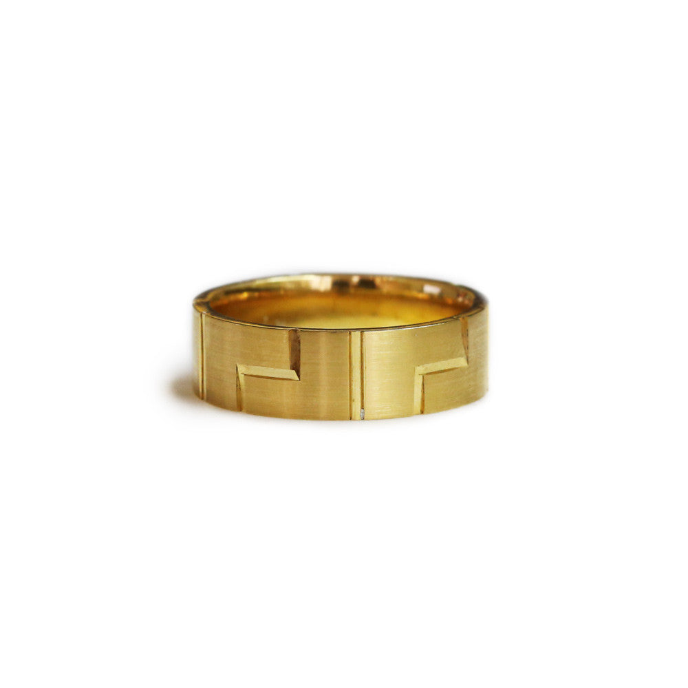 18ct Yellow gold gents wedding ring