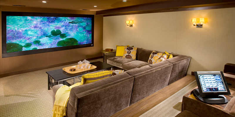 What You Need To Know About Picking A Home Theater Screen