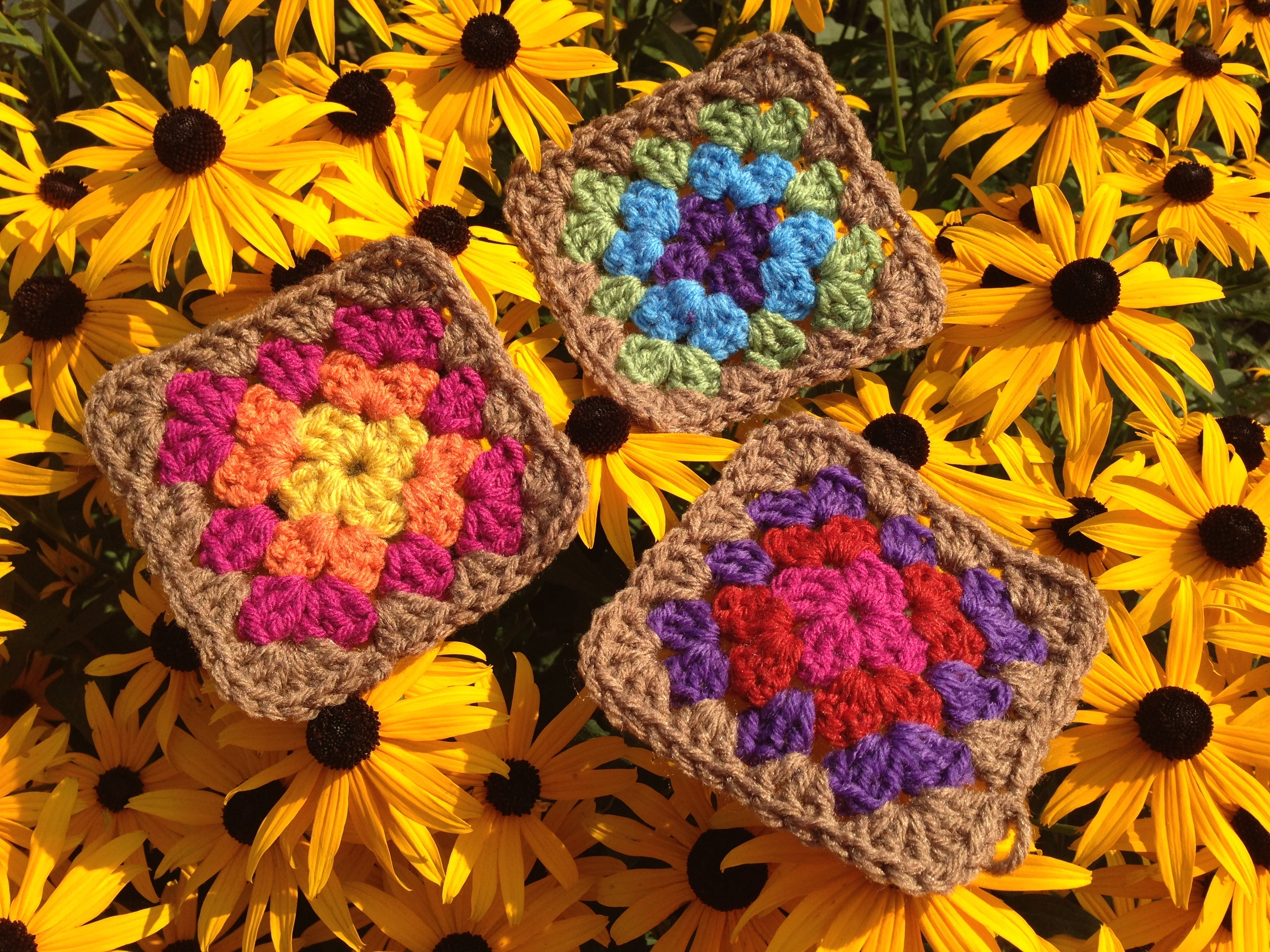 Easy and Colorful: The Snapdragon Brand Guide to Granny Squares
