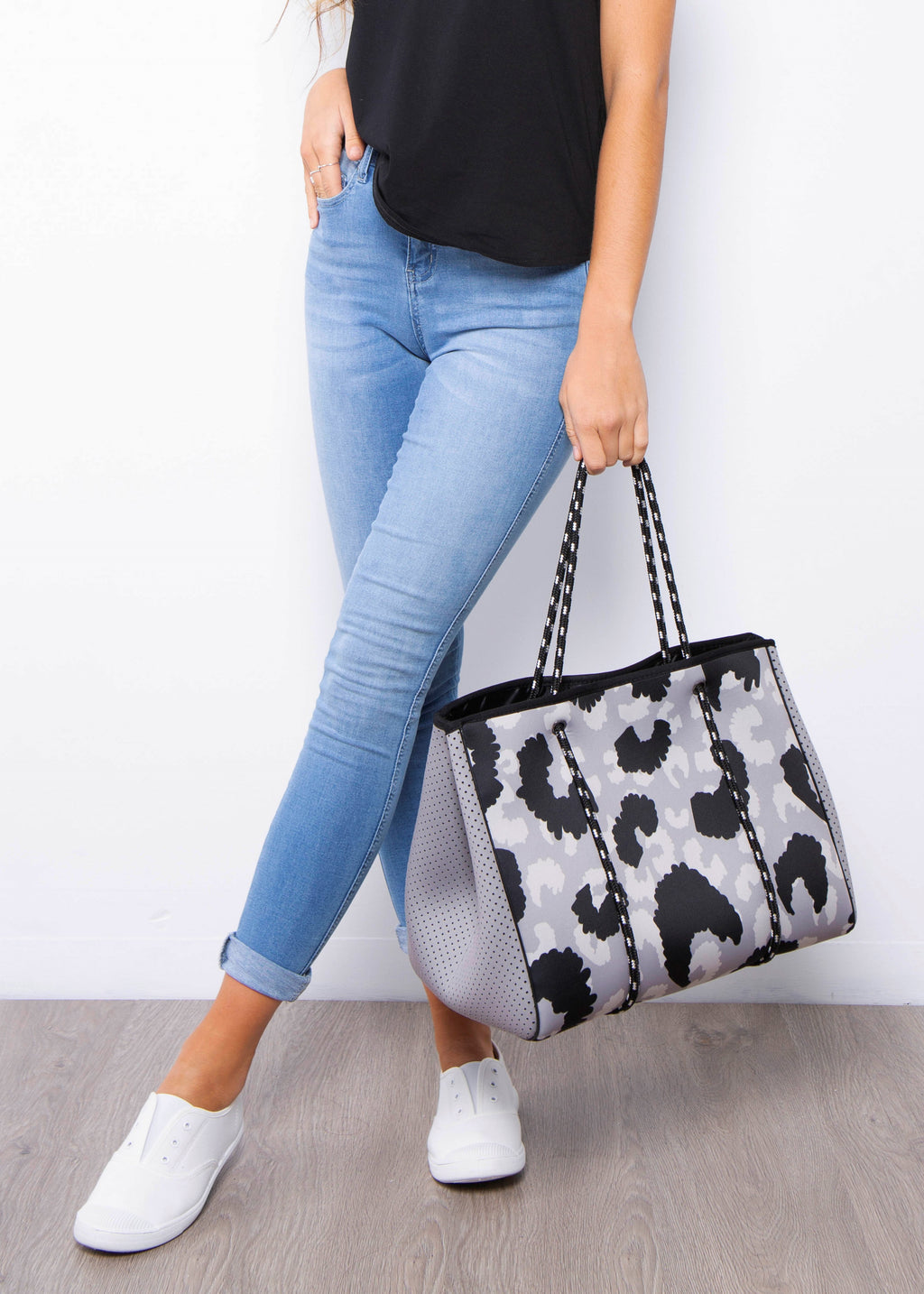 AVA NEOPRENE BAG - GREY LEOPARD